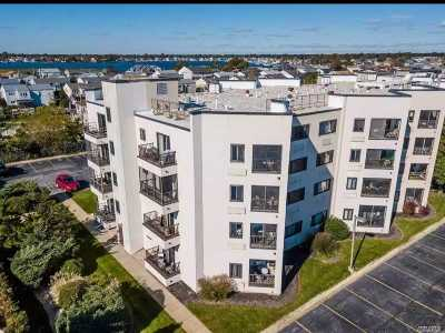 Freeport Condo/Townhouse For Sale: 725 Miller Ave #429