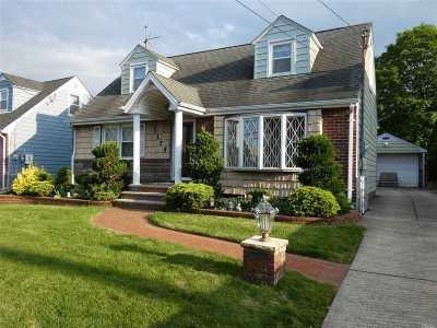 Franklin Square Single Family Home For Sale: 1179 Park Ave