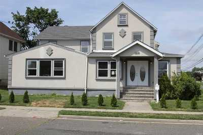Freeport Single Family Home For Sale: 150 Saint Marks Ave