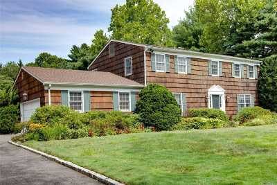 Syosset Single Family Home For Sale: 20 Belvedere Dr