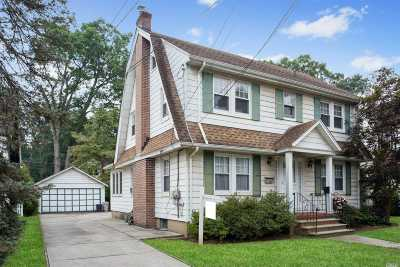 Floral Park Single Family Home For Sale: 12 Hazel Pl