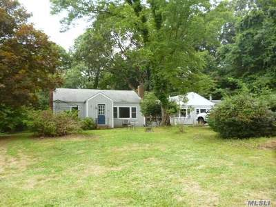 Northport Single Family Home For Sale: 54 Winkle Point Dr