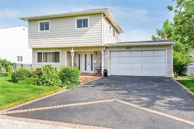 Bellmore Single Family Home For Sale: 3135 Shore Rd