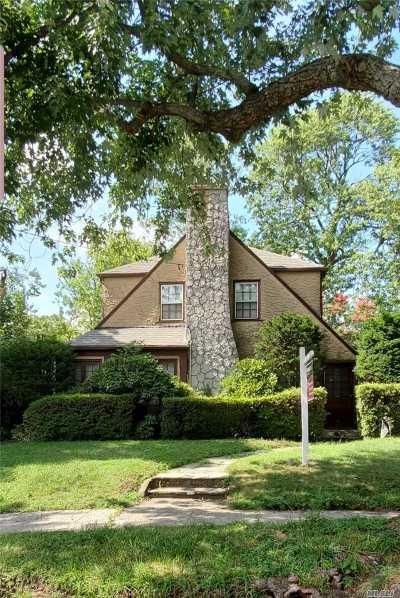 Douglaston Single Family Home For Sale: 242-11 Van Zandt Avenue