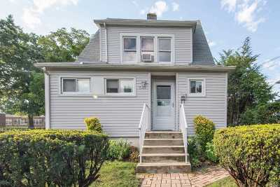Uniondale Single Family Home For Sale: 549 Southern Pkwy