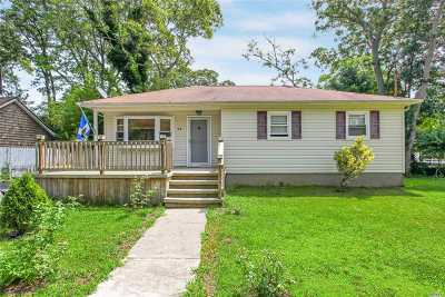 Sound Beach Single Family Home For Sale: 71 Valley Dr