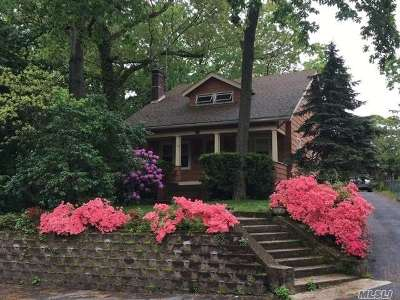 E. Northport Single Family Home For Sale: 119 Dickinson Ave