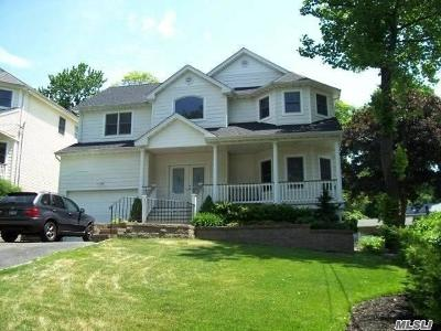 Northport Single Family Home For Sale: 31 Westview Rd