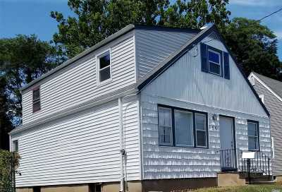 Hempstead Single Family Home For Sale: 59 Virginia Ave