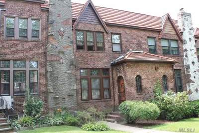 Middle Village Single Family Home For Sale: 64-64 82nd St