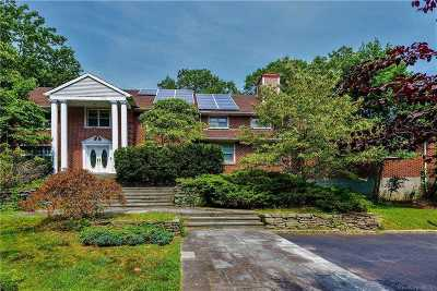 Oyster Bay Cove Single Family Home For Sale: 212 Sunset Rd
