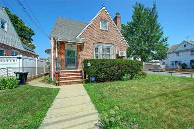 Queens Village Single Family Home For Sale: 89-39 211th St