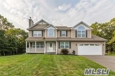Medford Single Family Home For Sale: 21 Mill Ln