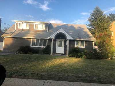 Bellmore Single Family Home For Sale: 2881 Bellmore Ave