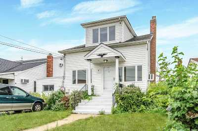 Massapequa Single Family Home For Sale: 133 Forest Ave
