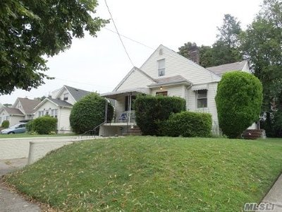 Mineola Single Family Home For Sale: 194 Marcellus Rd