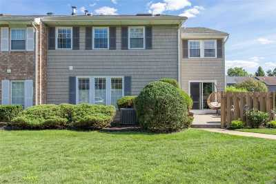 Woodbury Condo/Townhouse For Sale: 148 Woodlake Dr
