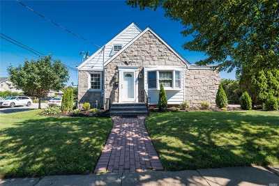 Mineola Single Family Home For Sale: 78 Fairfield Avenue