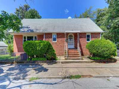 Valley Stream Single Family Home For Sale: 102 Lyon St