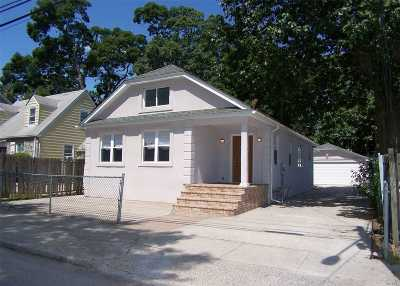 Roosevelt Single Family Home For Sale: 10 W Clinton Ave