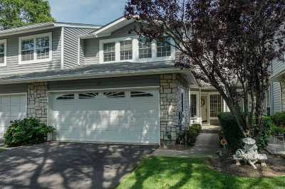 Holbrook Condo/Townhouse For Sale: 17 Hampshire Ct