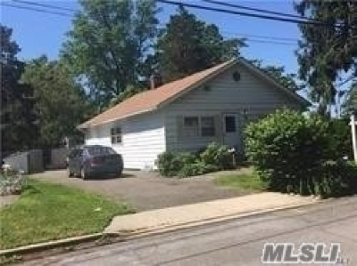 Massapequa Single Family Home For Sale: 74 E Cedar St