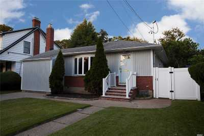 W. Hempstead Single Family Home For Sale: 167 Spruce St