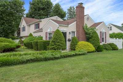Huntington Single Family Home For Sale: 43 Fort Hill Rd