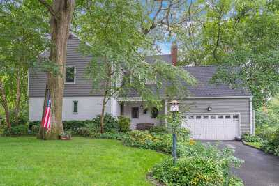 Roslyn Single Family Home For Sale: 73 Knollwood Rd