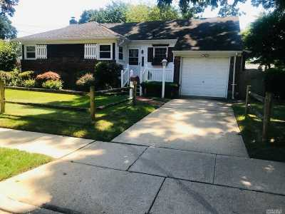 Wantagh Single Family Home For Sale: 3546 Edgerton Ave