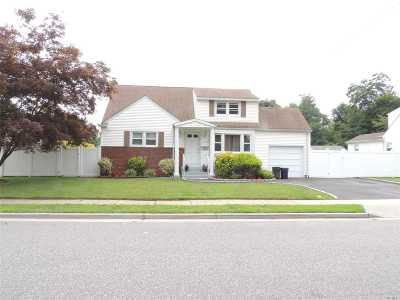 N. Bellmore Single Family Home For Sale: 2744 Saw Mill Rd