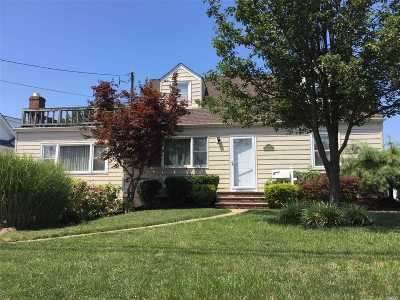 Bellmore Single Family Home For Sale: 2359 Fish Ave