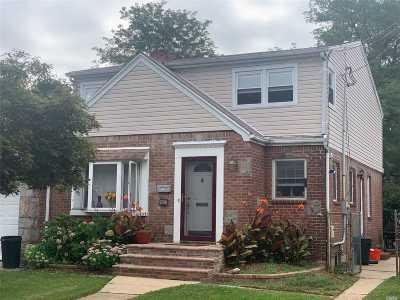 W. Hempstead Single Family Home For Sale: 823 Bradley St