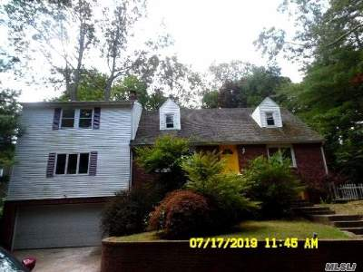 Centerport Single Family Home For Sale: 235 Taylor St
