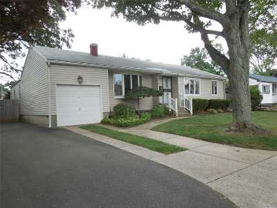 Brentwood Single Family Home For Sale: 9 Grouse Dr