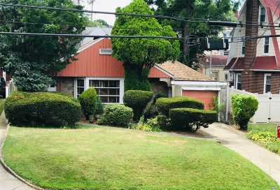 Bayside Single Family Home For Sale: 37-08 222 St