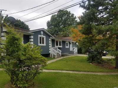 Brentwood Single Family Home For Sale: 40 Walter St