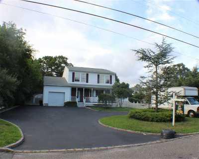 Farmingville Single Family Home For Sale: 35a Oaklawn Ave