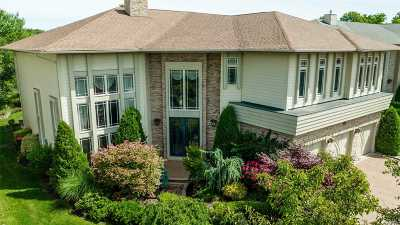 Jericho Single Family Home For Sale: 43 Kettlepond Rd