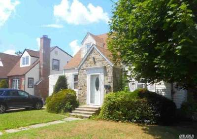 Nassau County Single Family Home For Sale: 865 Edward St