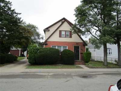Hicksville Single Family Home For Sale: 4 Milton St