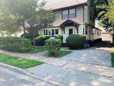 Hempstead Single Family Home For Sale: 119 Willow Ave