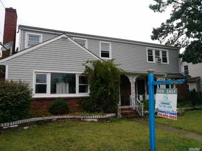 Bellmore Single Family Home For Sale: 2531 Grand Ave