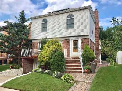 Bayside Single Family Home For Sale: 13-35 209th St
