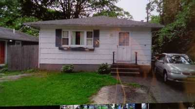 Mastic Single Family Home For Sale: 20 Broadway St