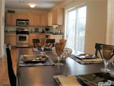 Shirley Single Family Home For Sale: 41 Seymour Dr