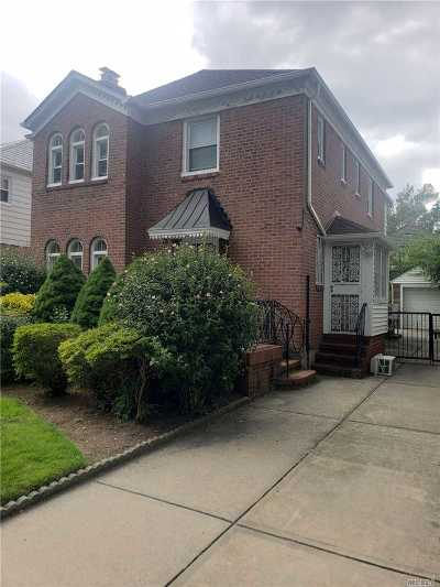 Fresh Meadows Single Family Home For Sale: 75-14 193rd St