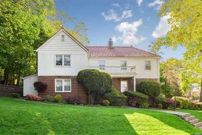 Jamaica Estates Single Family Home For Sale: 87-15 Barrington St