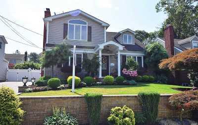 W. Hempstead Single Family Home For Sale: 527 Harding