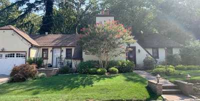 Great Neck NY Single Family Home For Sale: $1,088,000